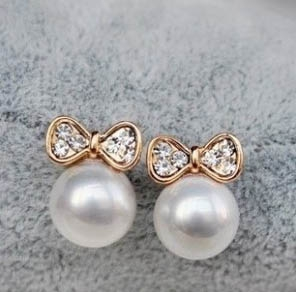 H303  Lovely Ribbon Earrings