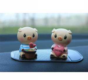 Couple Pig Car Decoration
