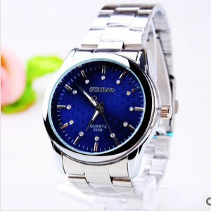 164374 Casual steel watch