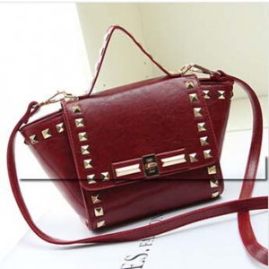 Shinning rivets design shoulderbag