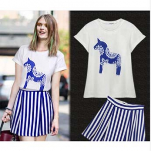 Printed T-shirt+ Stripe skirt set