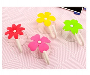 2 pc Flower Design Decorative Wall Hooks