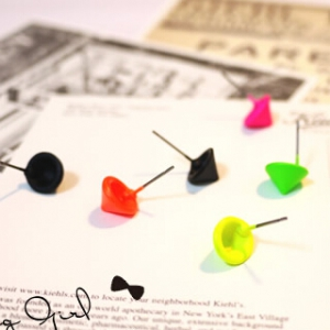 B899 Fluorescent color earrings